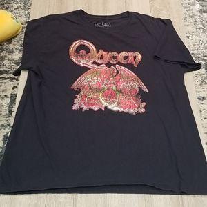 Queen T-Shirt.